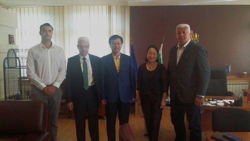 Областният управител се срещна с представители на компанията SINOMACH