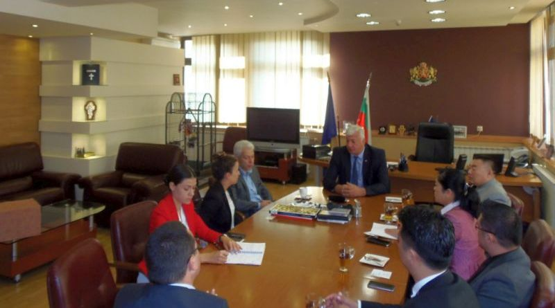 Областният управител Здравко Димитров се срещна с чуждестранни предприемачи, проявяващи към инфраструктурни и бизнес проекти в област Пловдив