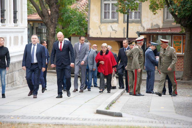 Заместник-областният управител Георги Пилев участва в посрещането на 31-ия контингент от състава на международната мисия на НАТО в Афганистан
