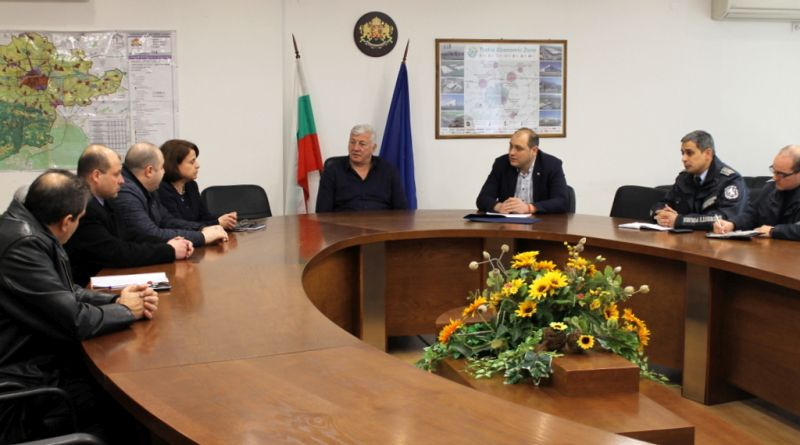 Областният управител Здравко Димитров свика консултация във връзка с организацията на предстоящите избори
