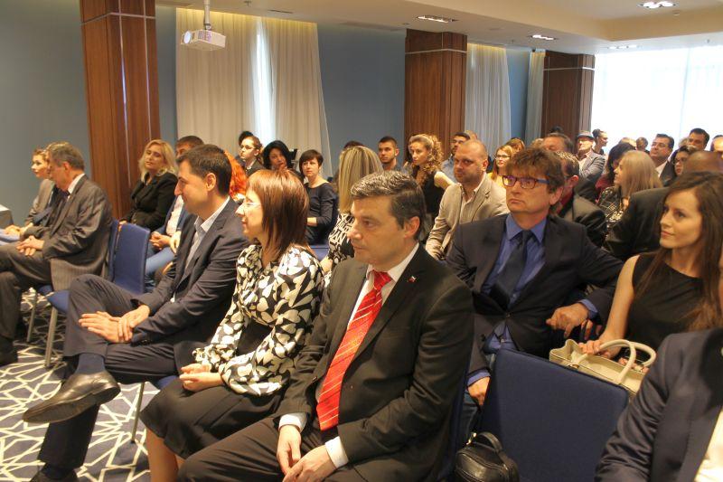 Зам. областният управител Владимир Петров беше официален гост на връчването на първите годишни награди за постижения в туризма за 2016 г. за гр. Пловдив