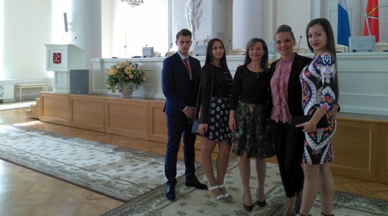 """За първи път пловдивски абитуриенти на празника """"Алени платна"""" в Санкт Петербург"""