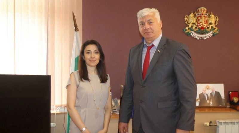 Посланикът на Азербайджан на официална среща с областния управител