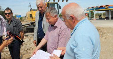 Областният управител свика среща относно проекта за Околовръстно шосе и направи инспекция на реконструкцията на Асеновградско шосе