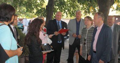Областният управител Здравко Димитров и министърът на образованието Красимир Вълчев посетиха учебни заведения в Столипиново