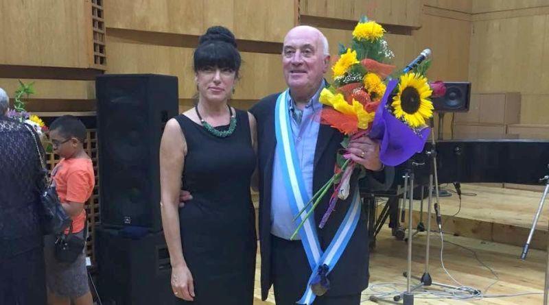 Областният управител Здравко Димитров и заместникът му, г-жа Евелина Апостолова, поздравиха Човека-радио Тома Спространов с приза Почетен гражданин на гр. Пловдив