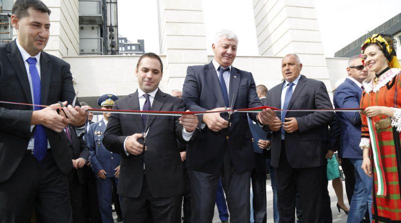 Премиерът Бойко Борисов и областният управител Здравко Димитров заедно на откриване на Пловдивския панаир