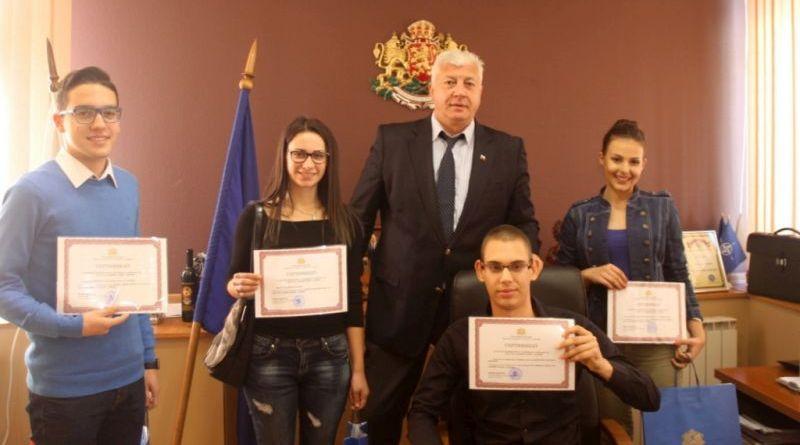 Екипът на Областна Администрация - Пловдив отново се включи в инициативата на образователната програма Мениджър за един ден