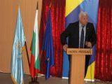Областният управител Здравко Димитров приветства гостите на първата информационна среща за Българското председателство на Съвета на Европейския съюз