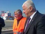 Областният управител Здравко Димитров направи инспекция на полагането на асфалтовата настилка на Асеновградско шосе