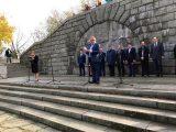 Главният секретар Борислав Димов положи цветя пред паметника на Альоша от името на Областна администрация – Пловдив
