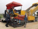 Областният управител инспектира полагането на новата асфалтова настилка на Асеновградско шосе