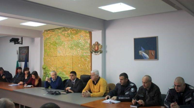 Областната администрация и полицията с денонощни телефони за бедствени ситуации и затруднения по пътищата по време на зимния сезон в Пловдивска област