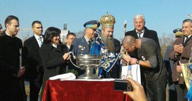 Областният управител Здравко Димитров и председателят на парламента Цвета Караянчева рамо до рамо на Богоявление
