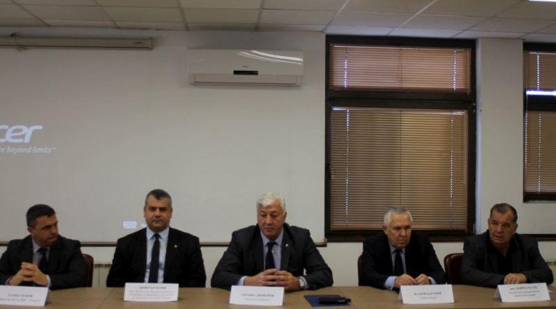 Областният управител Здравко Димитров свика първото за 2018 година заседание на Областната комисия по безопасност на движението по пътищата