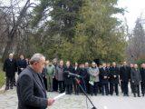Областният управител Здравко Димитров и неговите заместници се поклониха пред паметта на Апостола