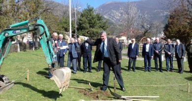 Зам.-областният управител инж. Димитър Керин направи първа копка на Паметника на ракетчика в Карлово