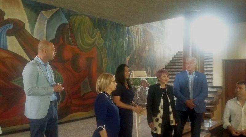 Областният управител Здравко Димитров поздрави участниците в Букет от националности
