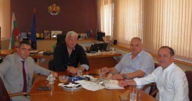 Областният управител обсъди мерките за сигурност във връзка с предстоящото шествие на превозвачите