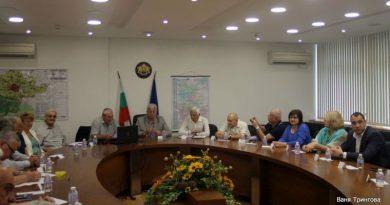 Областният управител Здравко Димитров и заместникът му Петър Петров се срещнаха с граждански сдружения