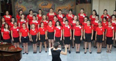 В Камерна зала на Областна администрация – Пловдив се състоя заключителния концерт на хор Детска китка