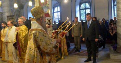 Заместник областният управител Димитър Керин уважи храмовия празник на църквата Св.св. Петър и Павел в Сопот