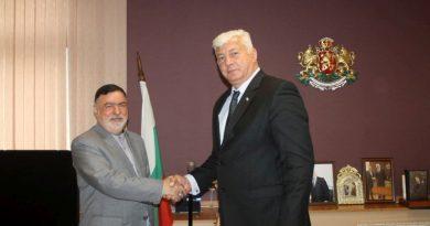 Иранският посланик на официално посещение в Областна администрация - Пловдив
