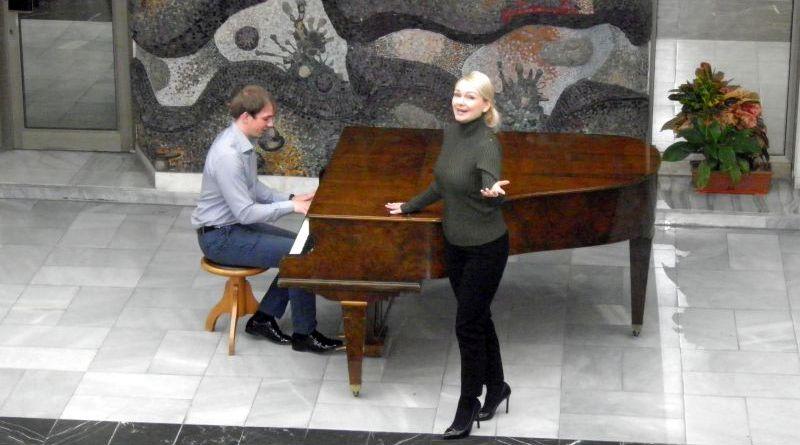 Областният управител Здравко Димитров посрещна членовете на руската инструментална група Бис-Квит