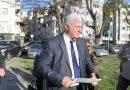 """Областният управител подкрепи протестиращите в парка  до хотел """"Санкт Петербург"""""""