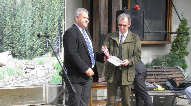 Заместник областният управител Димитър Керин връчи приза Лесовъд на годината