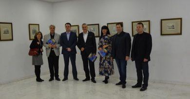 Пловдив получи графични платна като подарък от побратимения руски град Санкт Петербург