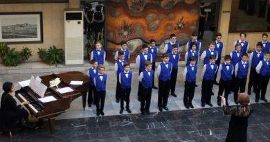 Великденски концерт на съставите на Хорова школа ,Стефка Благоева при Общински Детски Комплекс.