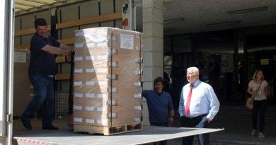 Областният управител наблюдава доставянето на изборните бюлетини