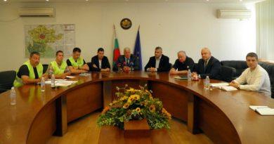 Областният управител свика среща за решаване на проблема със застрояването на парка зад хотел Санкт Петербург