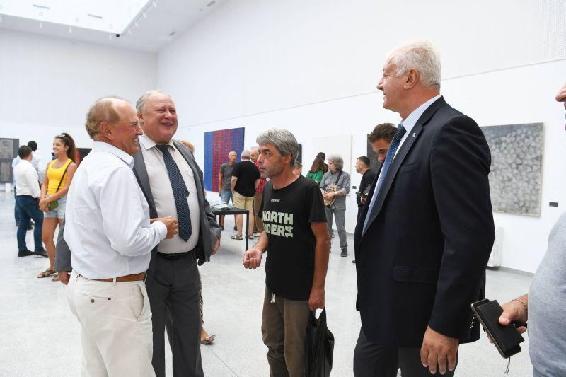 Областният управител присъства на откриването на новата галерия на ул. Гладстон