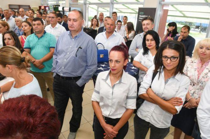 Областния управител приветства откриването на първия Център за професионално обучение