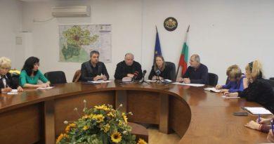 Областният управител Дани Каназирева заяви, че трябва да се защити по безспорен начин запазването на пътна връзка между районите Централен и Южен