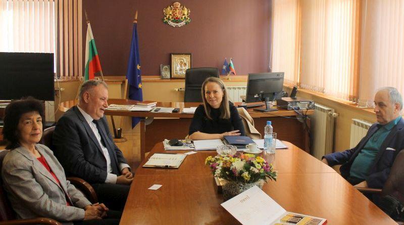 Областният управител Дани Каназирева се срещна с представители на Държавна Агенцията за метрологичен и технически надзор във връзка с категоризацията на язовирите в областта