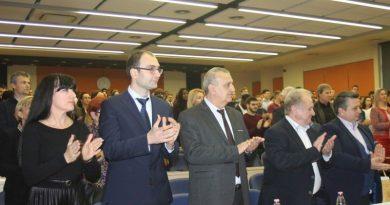 Заместник областният управител Евелина Апостолова бе сред гостите на Тържествен академичен съвет в МУ-Пловдив