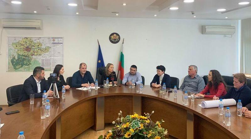 Областният управител Дани Каназирева представи приоритетните инфраструктурни обекти на територията на областта