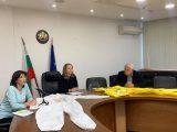 Предпазни  облекла и защитни средства ще бъдат  дарени на болниците, които ще лекуват  COVID-19