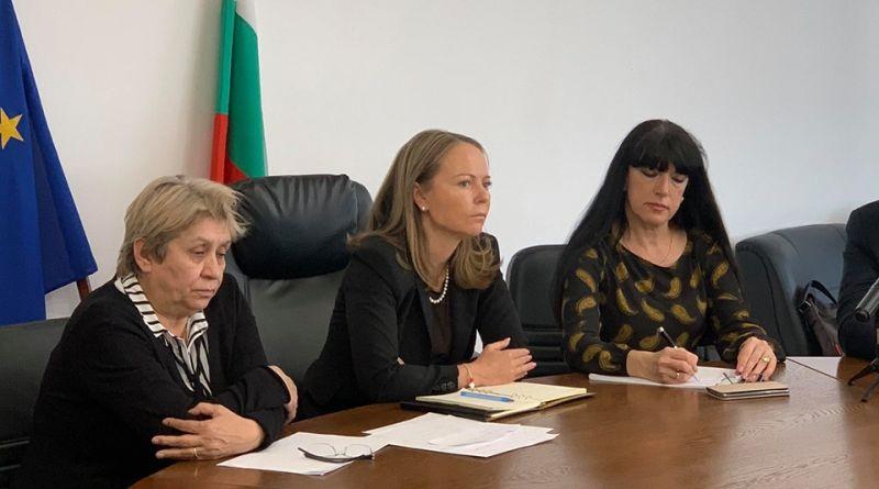 Изписаха шестима излекувани пациенти с COVID-19 в Пловдив