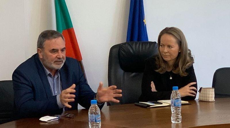 Главният държавен здравен инспектор доц. Ангел Кунчев се срещна с областния управител Дани Каназирева и оцени високо създадената организация в болниците от Медицинския щаб