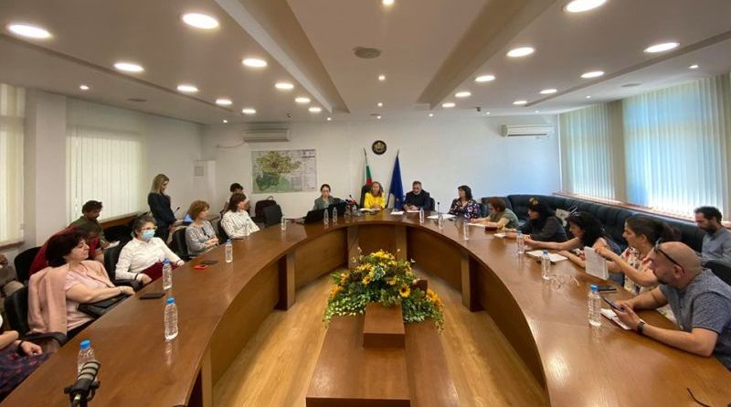 Каназирева и Кунчев : Адекватни мерки в борбата с COVID-19 и голямо обществено доверие в институциите показват резултатите от срезовото епидемиологично проучване в Пловдив