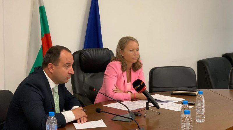 Областният управител Дани Каназирева представи мотивите за върнатите решенията на Общинските съвети на Пловдив и Асеновград