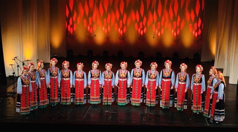 """Заместник-областният управител Петър Петров посети концерта, посветен на 45-тата годишнина от първата премиера на ФА """"Тракия"""""""