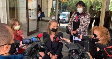 Каназирева: Разкриваме допълнително над 180 легла в болниците, засилваме контрола за спазването на мерките и ще бъдат затваряни заведенията, които не ги спазват