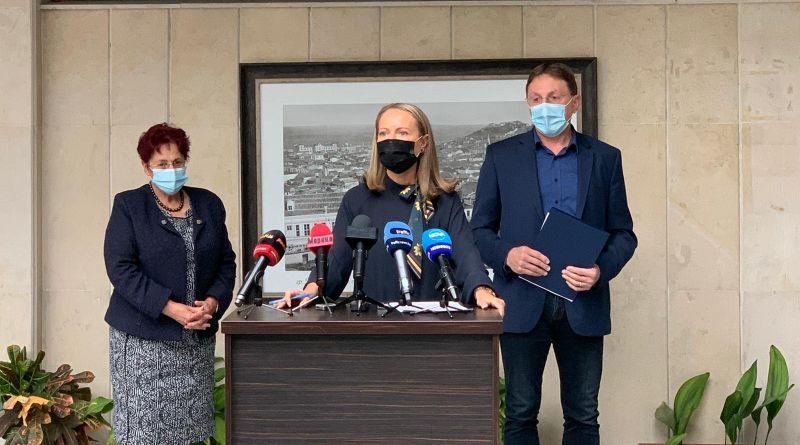 Каназирева: Болниците и Спешна помощ в реално време ще следят свободните легла в отделенията за COVID-19, комисия ще консултира и следи за хоспитализациите  и изписването на болните