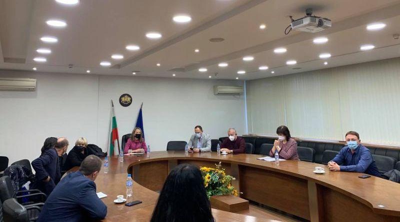 Спад на заболелите от ковид в Пловдив и областта, продължава ваксинирането на медиците