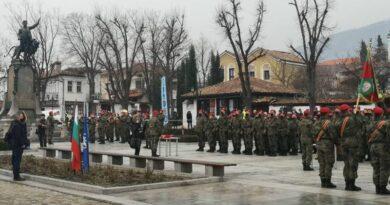 Министър Каракачанов присъства на военната клетва в 61-ва Стрямска механизирана бригада